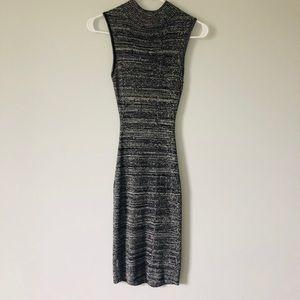 Midi sleeveless sweater dress